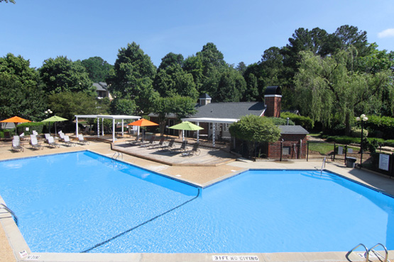 images-gallery-04-pool-555x370