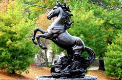 KY_Lexington_TheCreeksonKirklevington_p0043660_horseStatue2_Solace_1_PhotoGallery