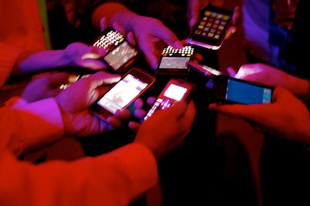 tweeting.jpg
