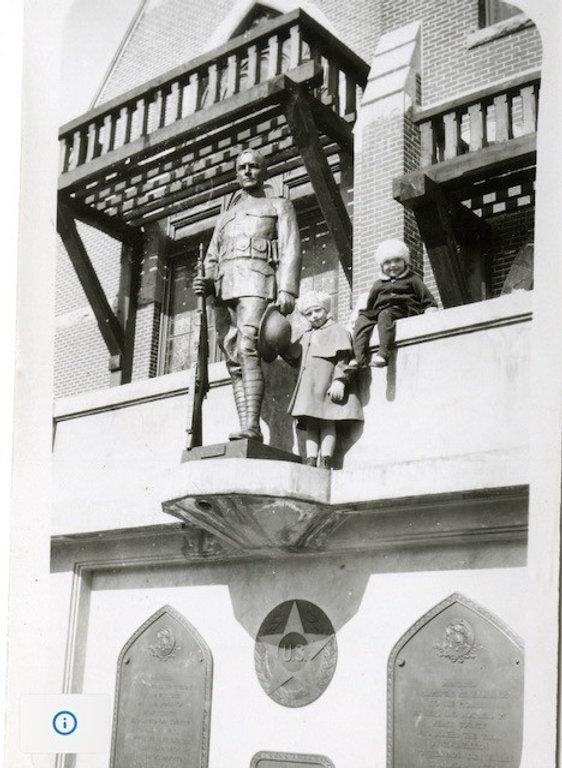 statue 24th st.jpg