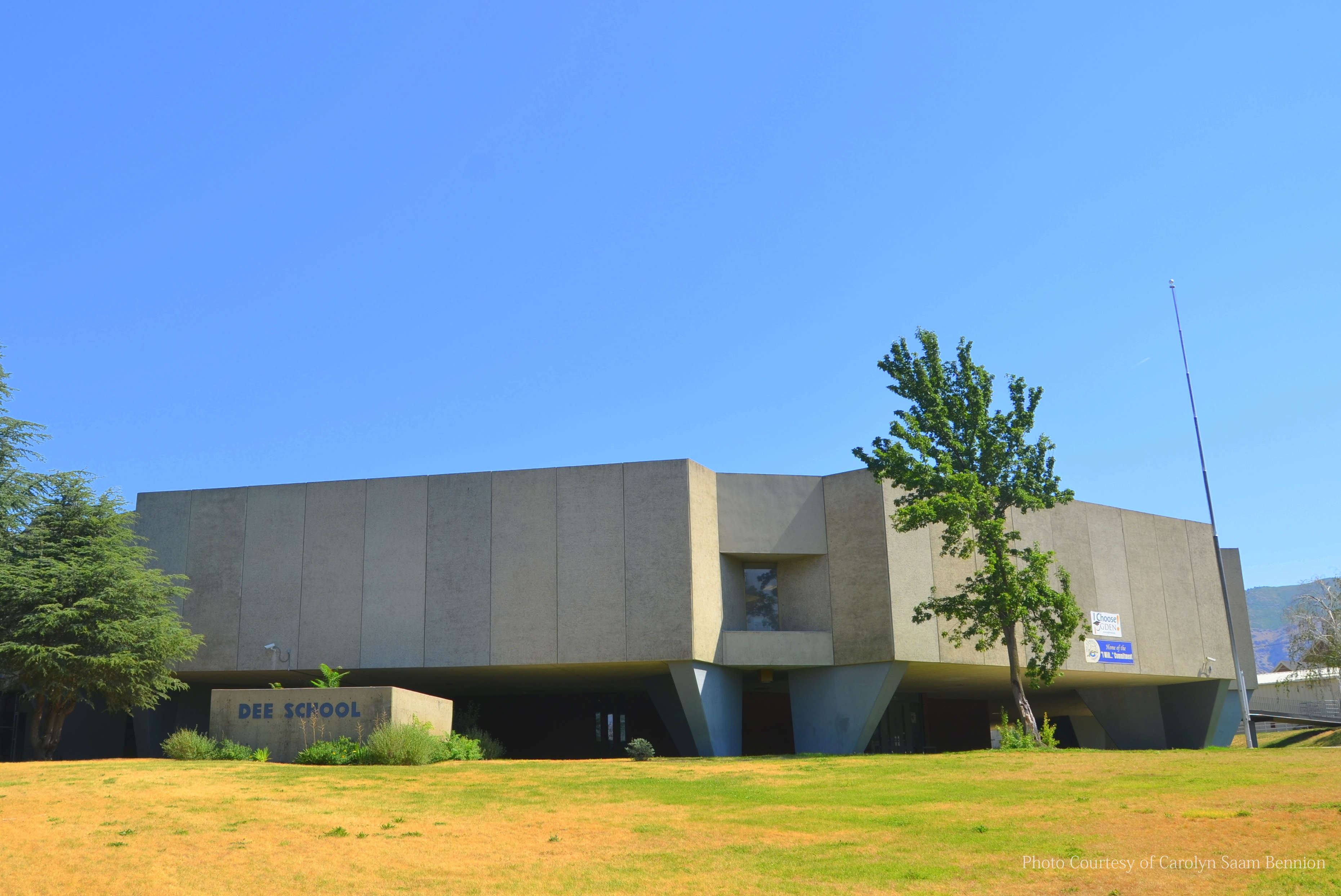 Dee Elementary School