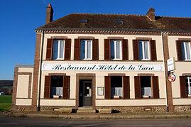 hotel-gare-bretoncelles-facade.JPG