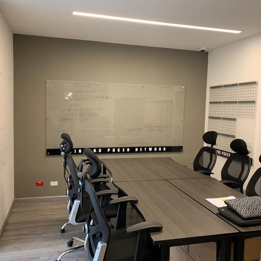 sala de reuniones adicional.jpeg