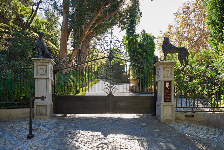 houdini-gardens-109-w-plaque.jpg