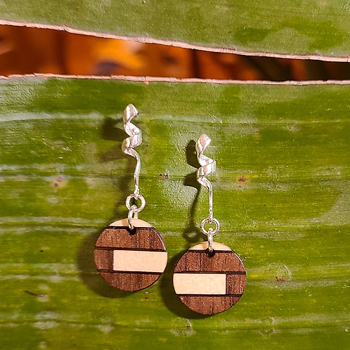 Round Earrings with Fine Inlay