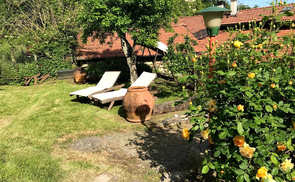 Agriturismo Luna di Quarazzana garden for a perfect garden and relax area