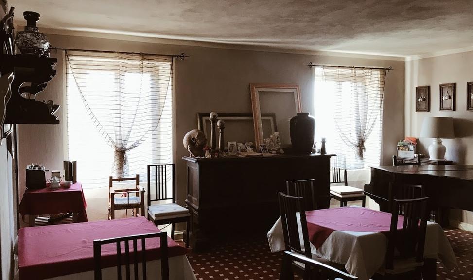 agriturismo b&b Luna di Quarazzana Lunigiana livingroom and restaurant