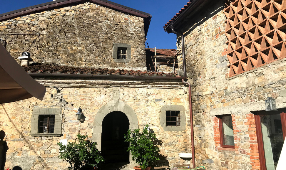 agriturismo b&b Luna di Quarazzana Lunigiana manor of XV cent