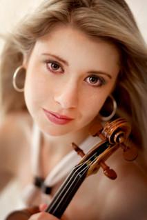 Madalyn Parnas Möller, Violin