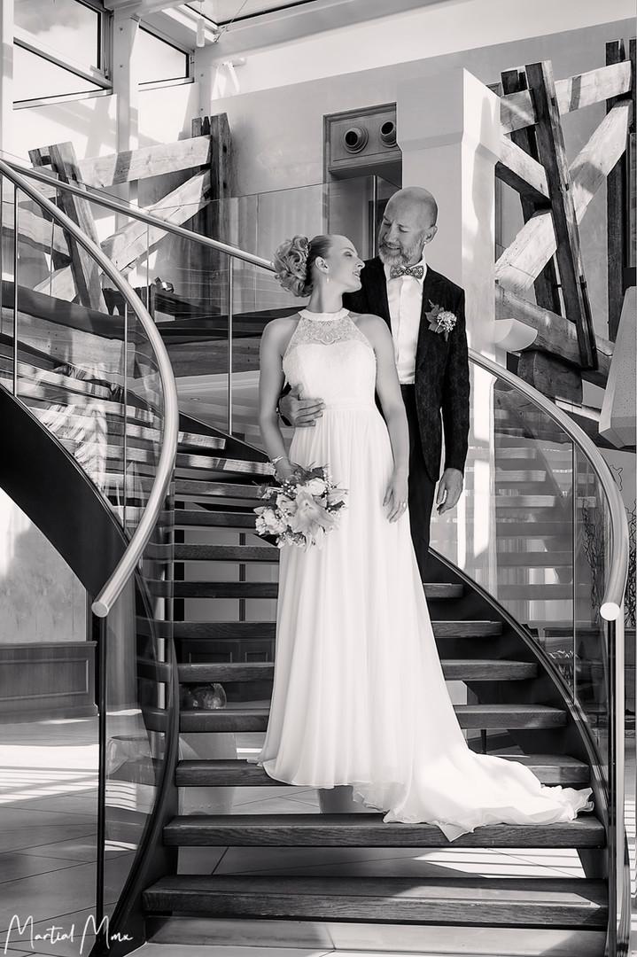 robe_mariage_dentelle_bijoux_cristal_les