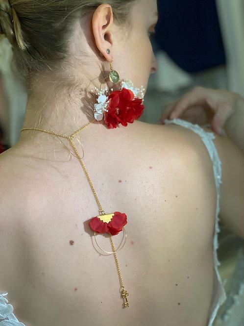 collier en fleurs stabilisées de dos