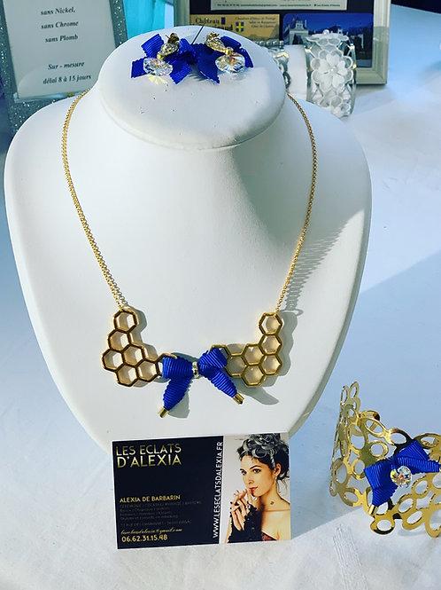 Parure de bijoux miel dorées et ornées d'un ruban de couleur