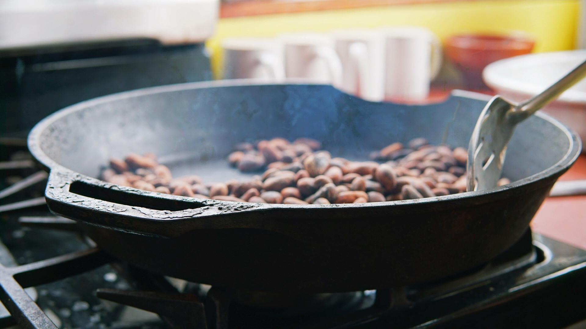 Utopia - Chocolate making