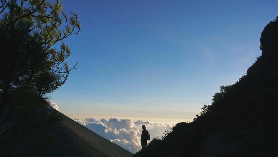Acatanango volcano hike