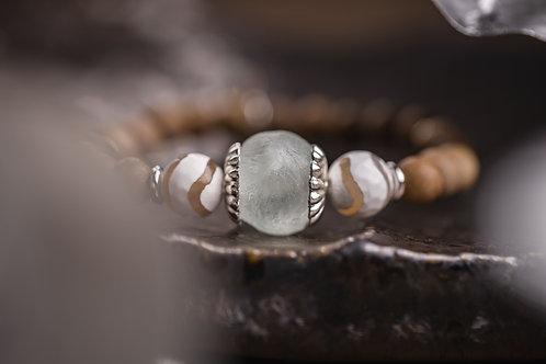 Recycled Glass & Sandalwood Stretch Bracelet