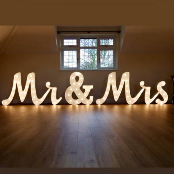 MR & MRS 4FT LETTERS