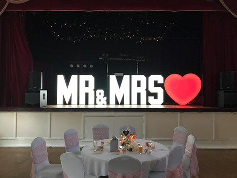 MR & MRS 4FT LETTERS