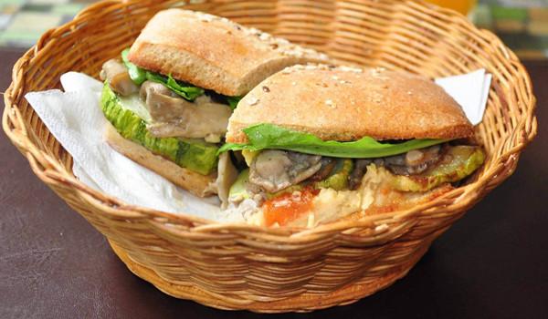 Sanduíche Vegetariano de Berinjela