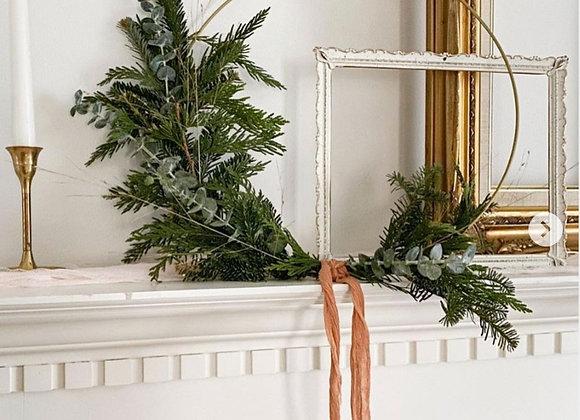 Gold Hoop Christmas Wreath: Semi-circle Design