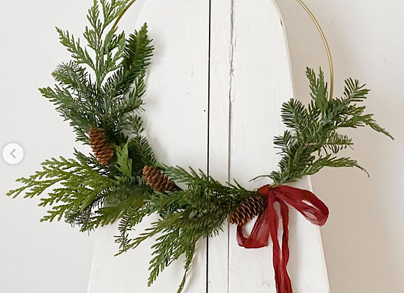 Small Gold Hoop Christmas Wreath: Semi-circle Design
