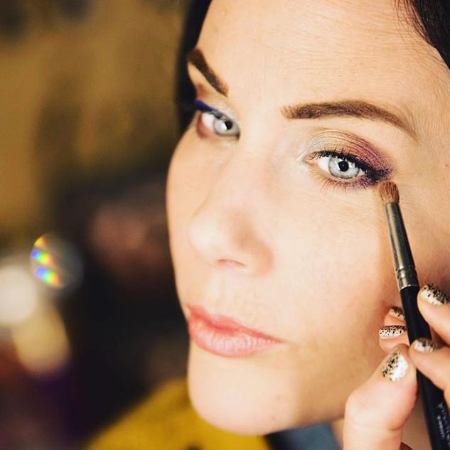 Live Makeup Demos on Facebook & Inst Story Highlights