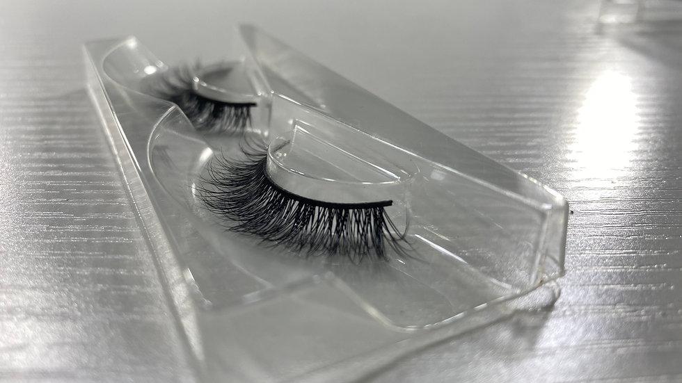 Dainty lashes
