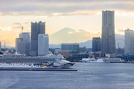 横浜港の客船