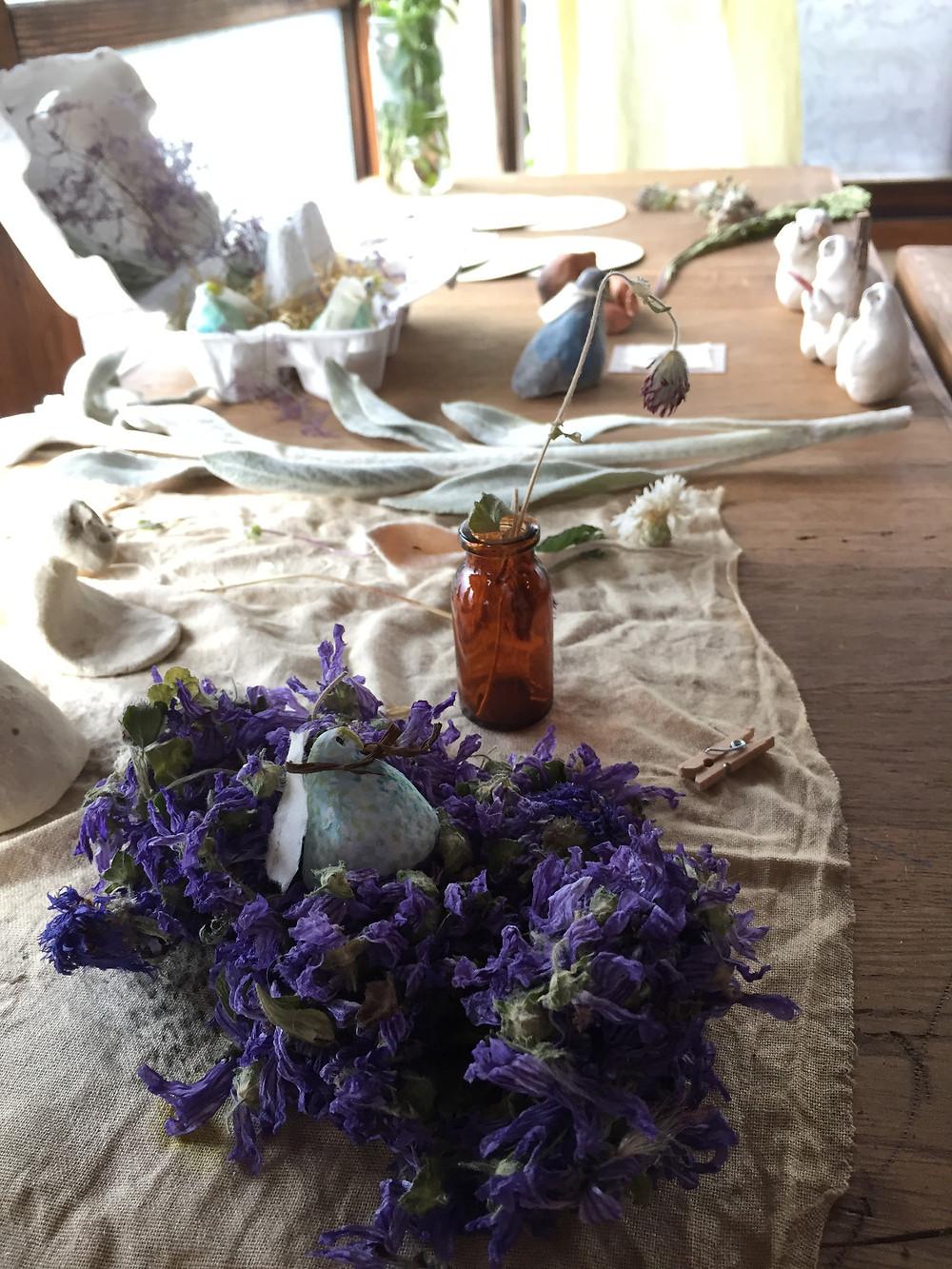 花とトリと小さいひと