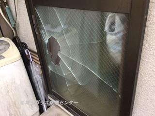 川口市 八幡木 ガラス修理前