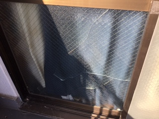 川口市 上青木 アパートの窓ガラス修理・交換