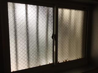 越谷市 七左町 ガラス修理前