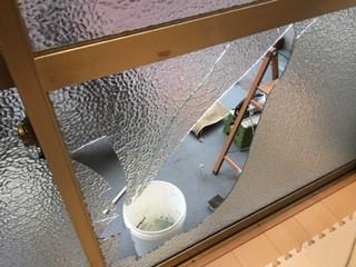 さいたま市 南区 田島 横長の掃き出し窓のガラス修理・交換
