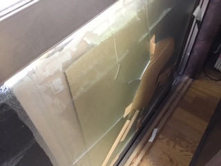 三郷市 高州 横長タイプの掃き出し窓ガラス修理