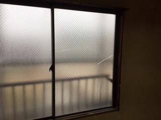 さいたま市 緑区 東浦和 窓ガラス修理(提携リフォーム業者様からご依頼)