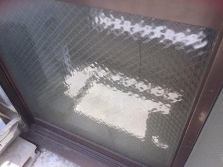 草加市 金明町 アパートの掃き出し窓ガラス修理・交換