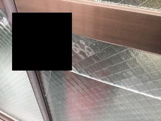 八潮市鶴ケ曽根のガラス修理前