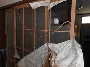 草加市 新栄 転居の為のガラス修理・交換