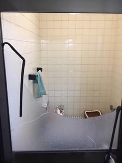 八潮市 木曽根 浴室ガラスの修理・交換