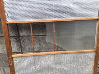 草加市 小山 室内木製建具のガラス修理・交換