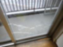 透明網入りガラス 熱割れ画像