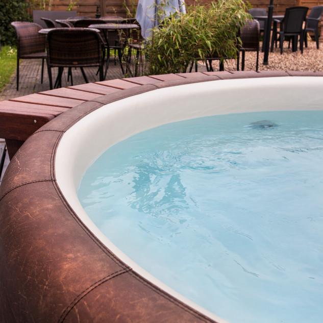 beheizter Aussen-Whirlpool
