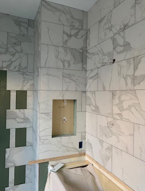 master-bath-tiling (6).JPG