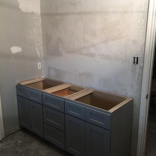 master-bathroom-during-renovation-cabine