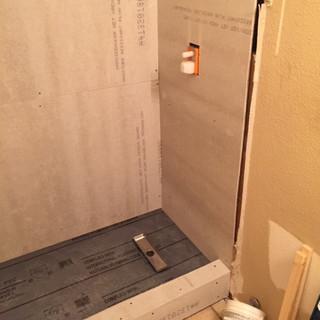 guest-bathroom-suburb-update (18).JPG