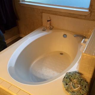 builder-grade-standard-bathroom-remodel-renovation-2