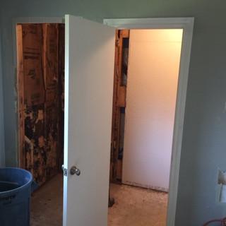 master-bathroom-demo-dated-tile-old-coun