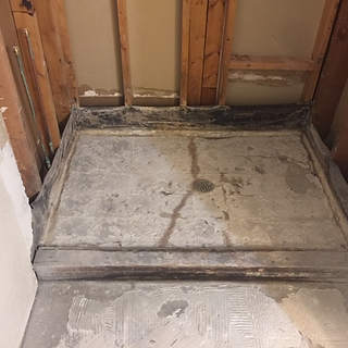 bathroom-remodel-dated-prior-damage (19)