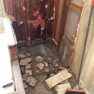 builder-grade-standard-bathroom-remodel-renovation-8