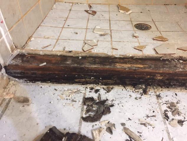 bathroom-remodel-dated-prior-damage (13)