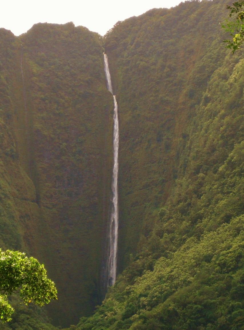 Hi'ilawe Falls volcano mountain retreat b&b big island hawaii